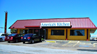 Americau0027s Kitchen Restaurant Seems Somewhat Small. But At The Same Time  Feels Spacious And Airy Too. Itu0027s Because Of The Booths Located Along The  Wall And ...